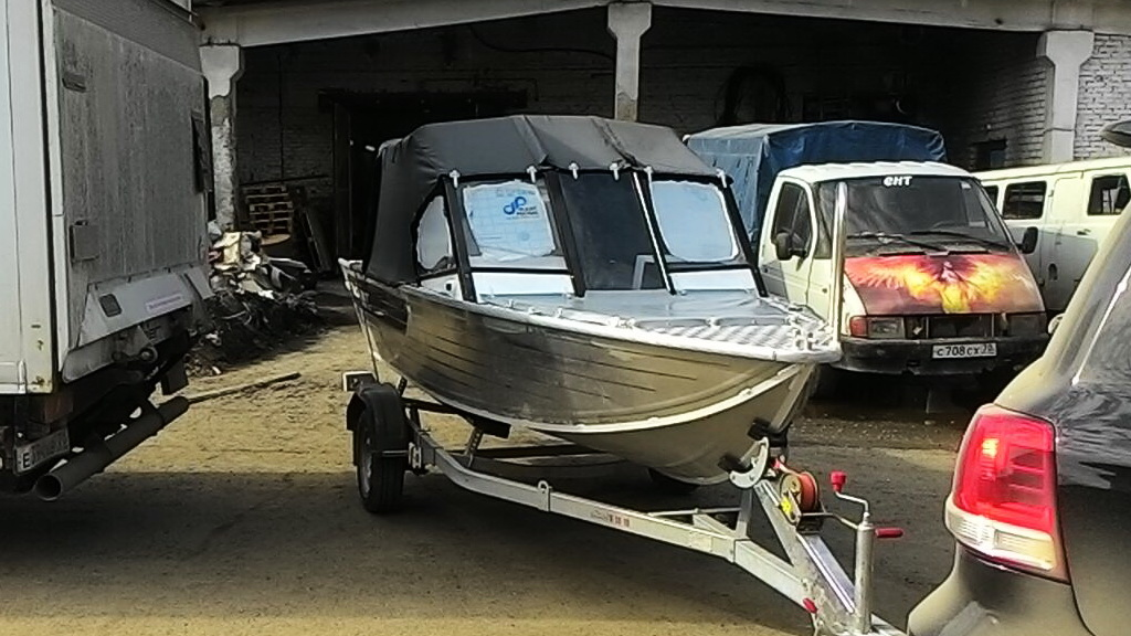 Пошив ходового тента на лодку «Salut 430 Pro» в Томске