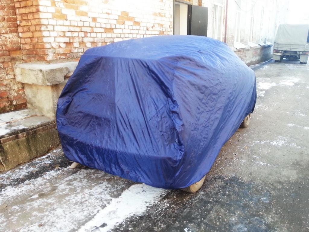 Универсальный защитный тент-чехол для автомобиля Toyota Nadia в Томске, пошит на заказ