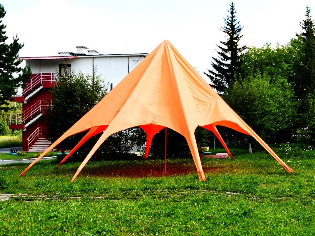 Шатер-звезда для летнего лагеря